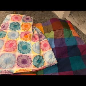 Full Size Flower and Plaid Reversible Comforter